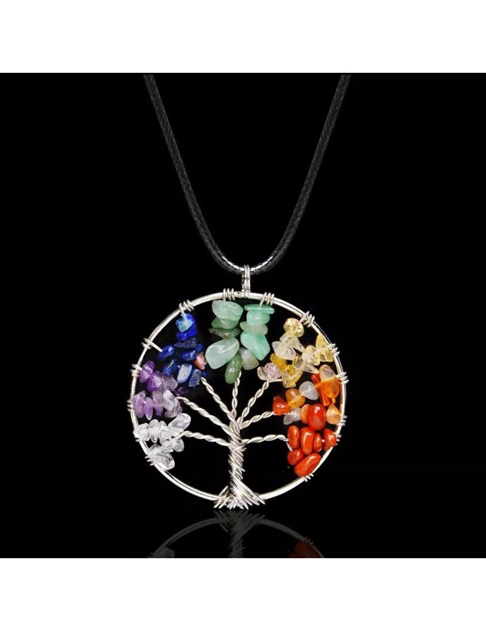 Collar con dije de árbol y con piedras naturales