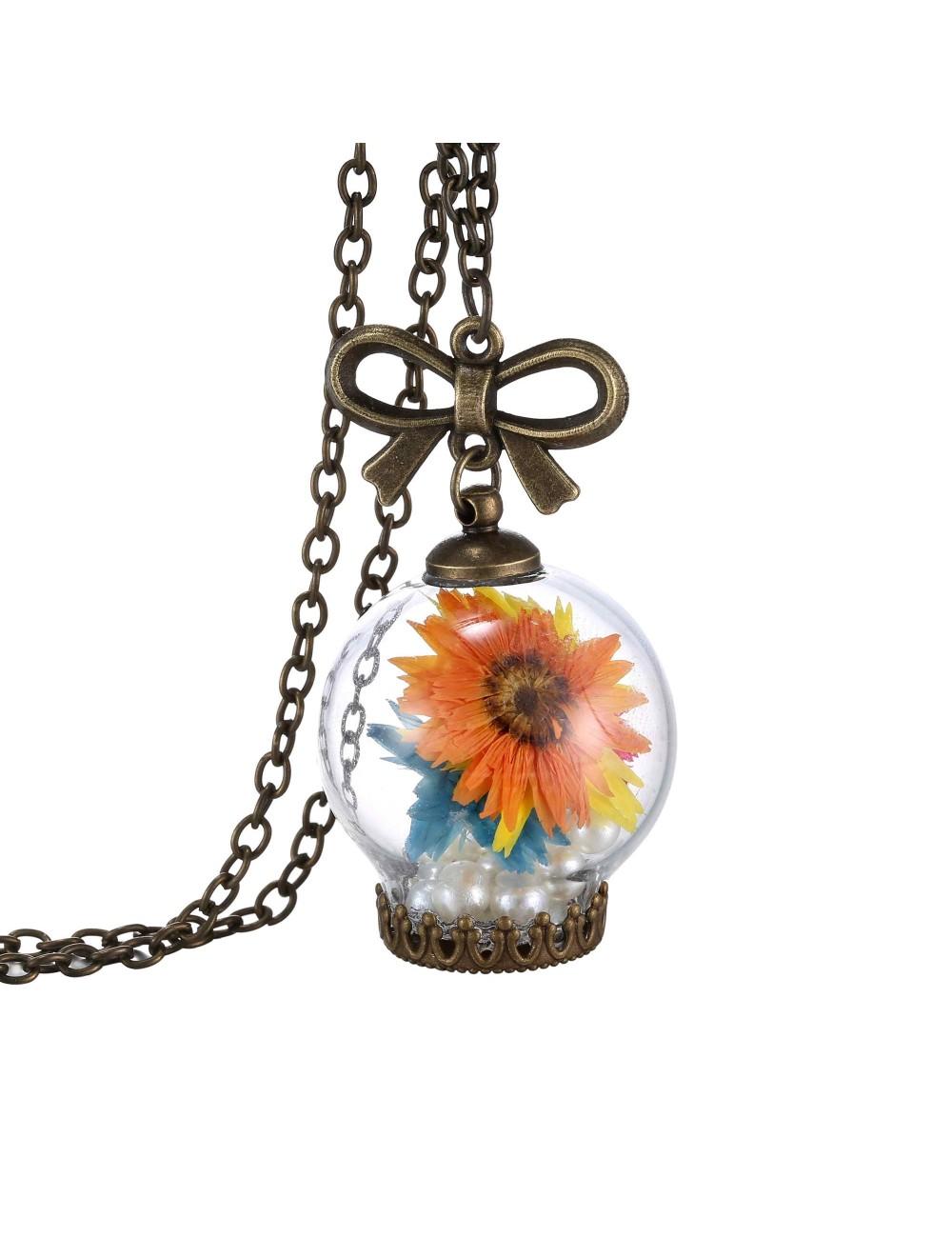Collar encapsulado con flores de colores