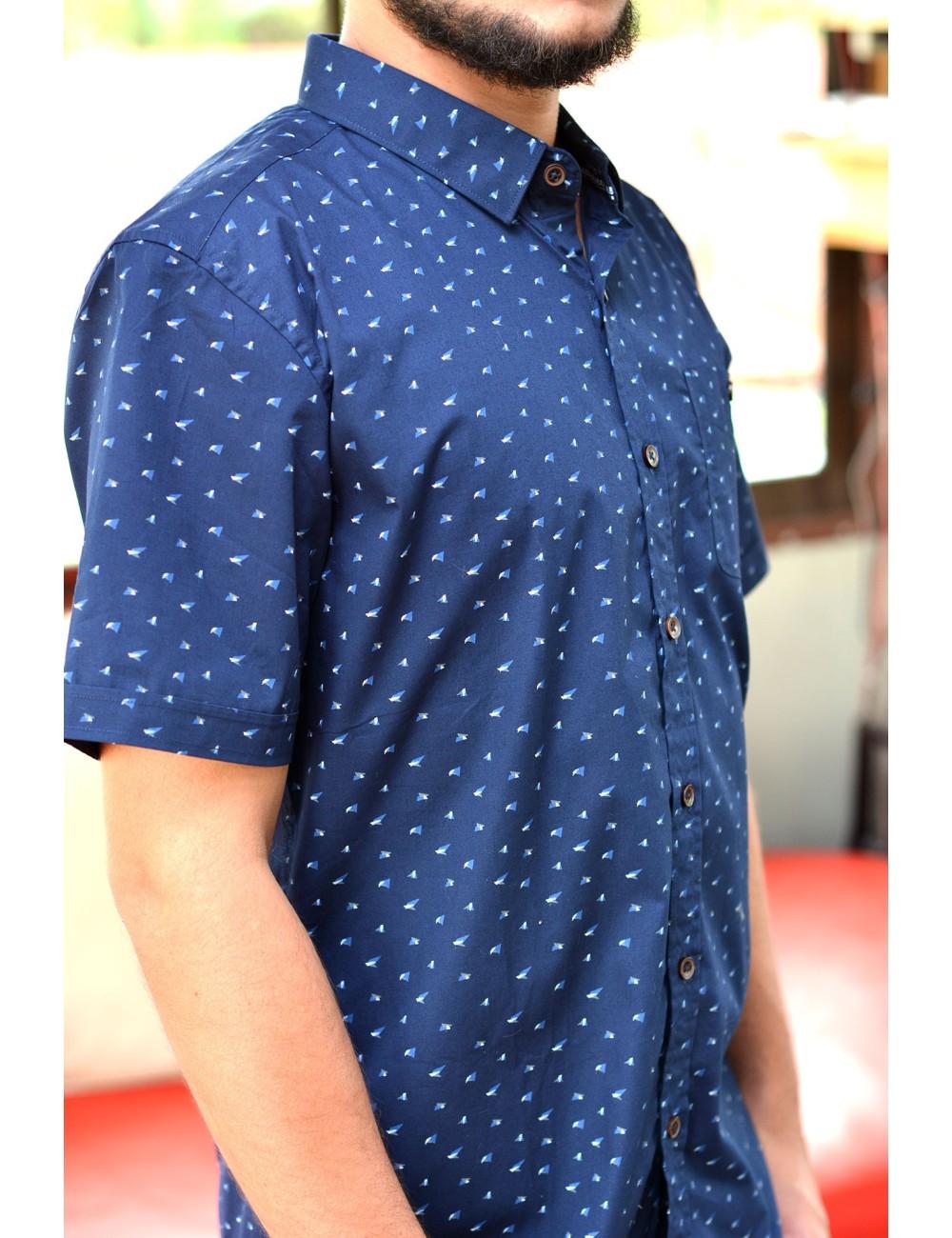 Camisa azul manga corta estampado celeste