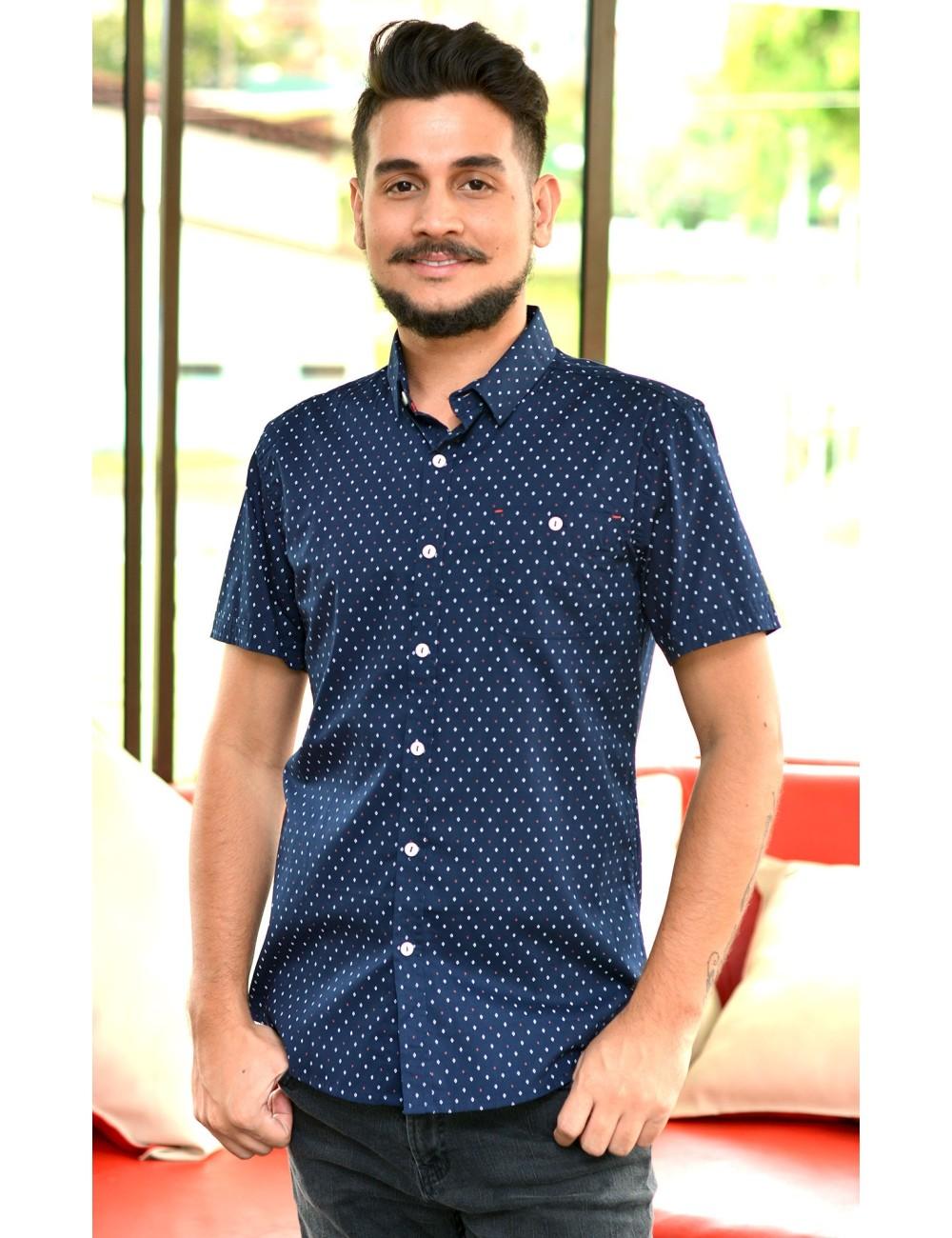 Camisa azul manga corta rombos blancos