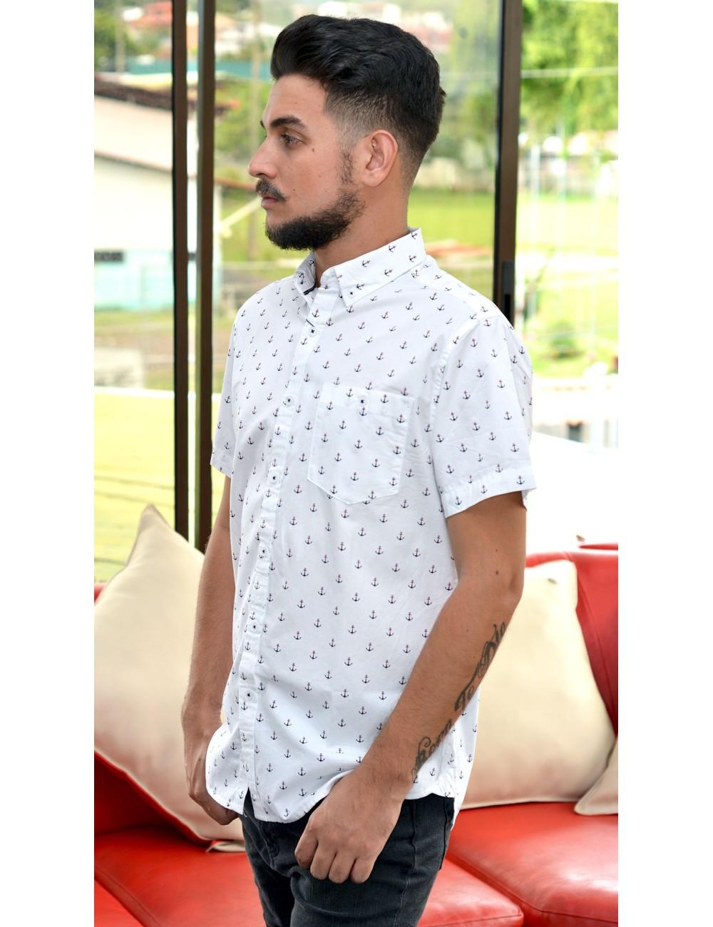 Camisa manga corta blanca con anclas azules y rojas