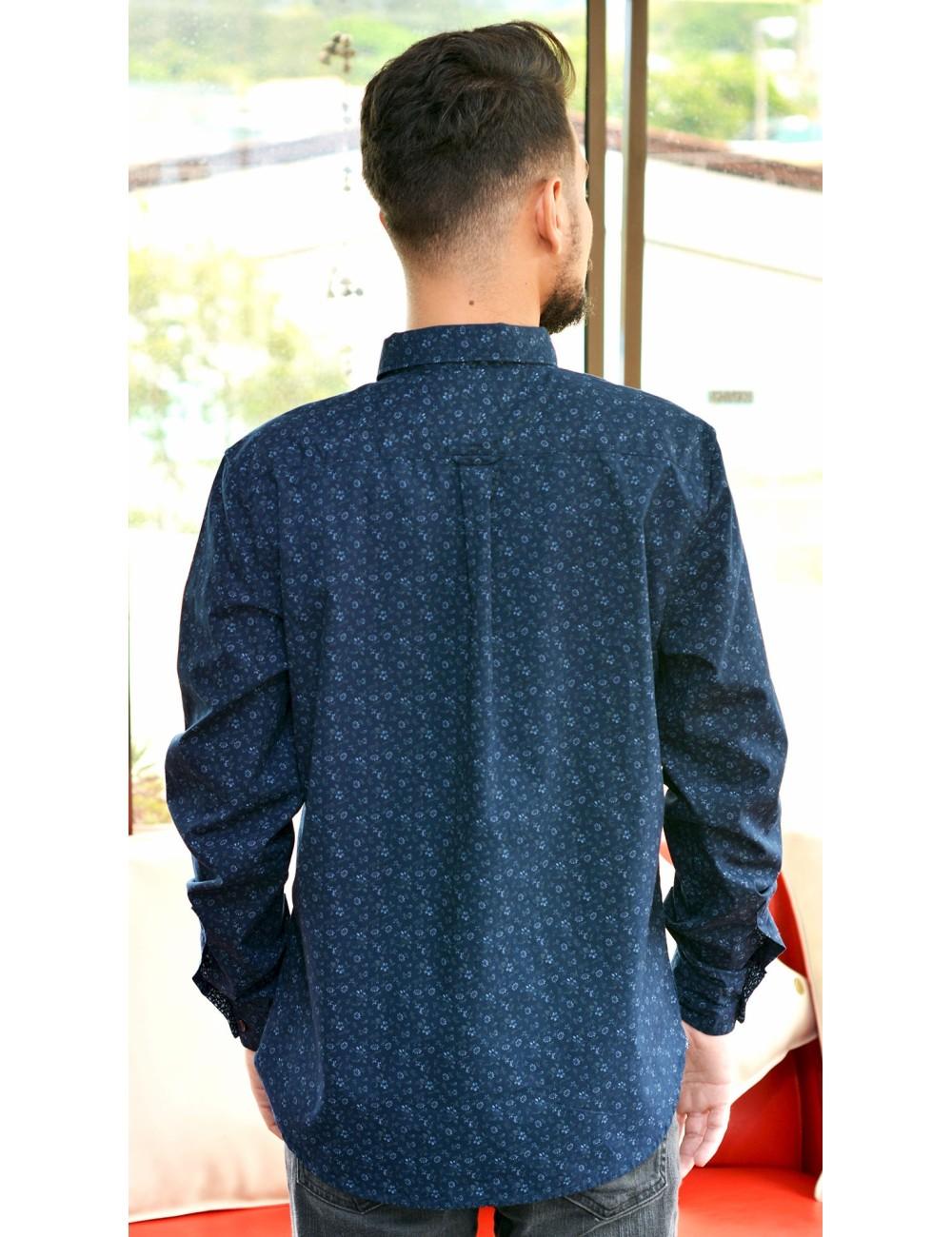 Camisa manga larga azul con estampado flores