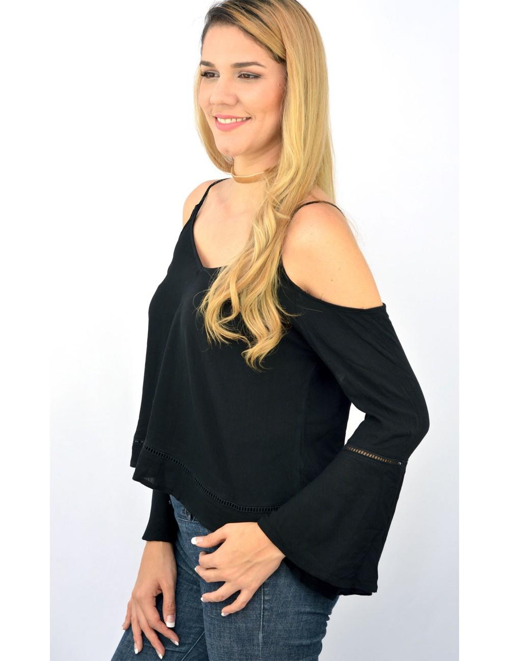 Blusa negra de manta manga campana