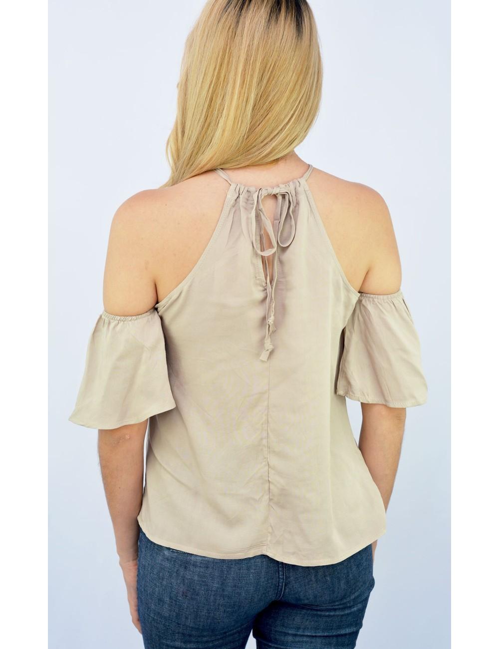 Blusa cuello alto cierre en la espalda