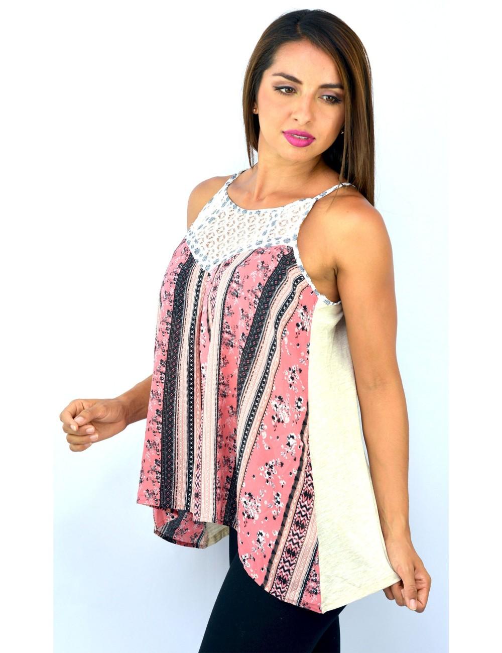 Blusa de tirantes con estampado rosado frontal