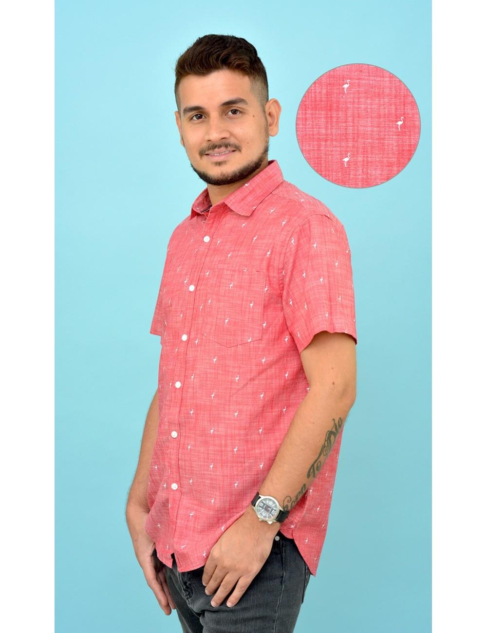 Camisa roja con estampado flamigos blancos