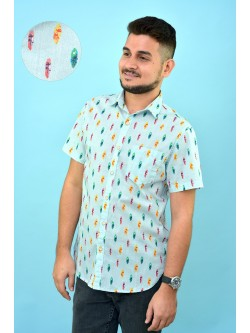 Camisa celeste con estampado tablas surf