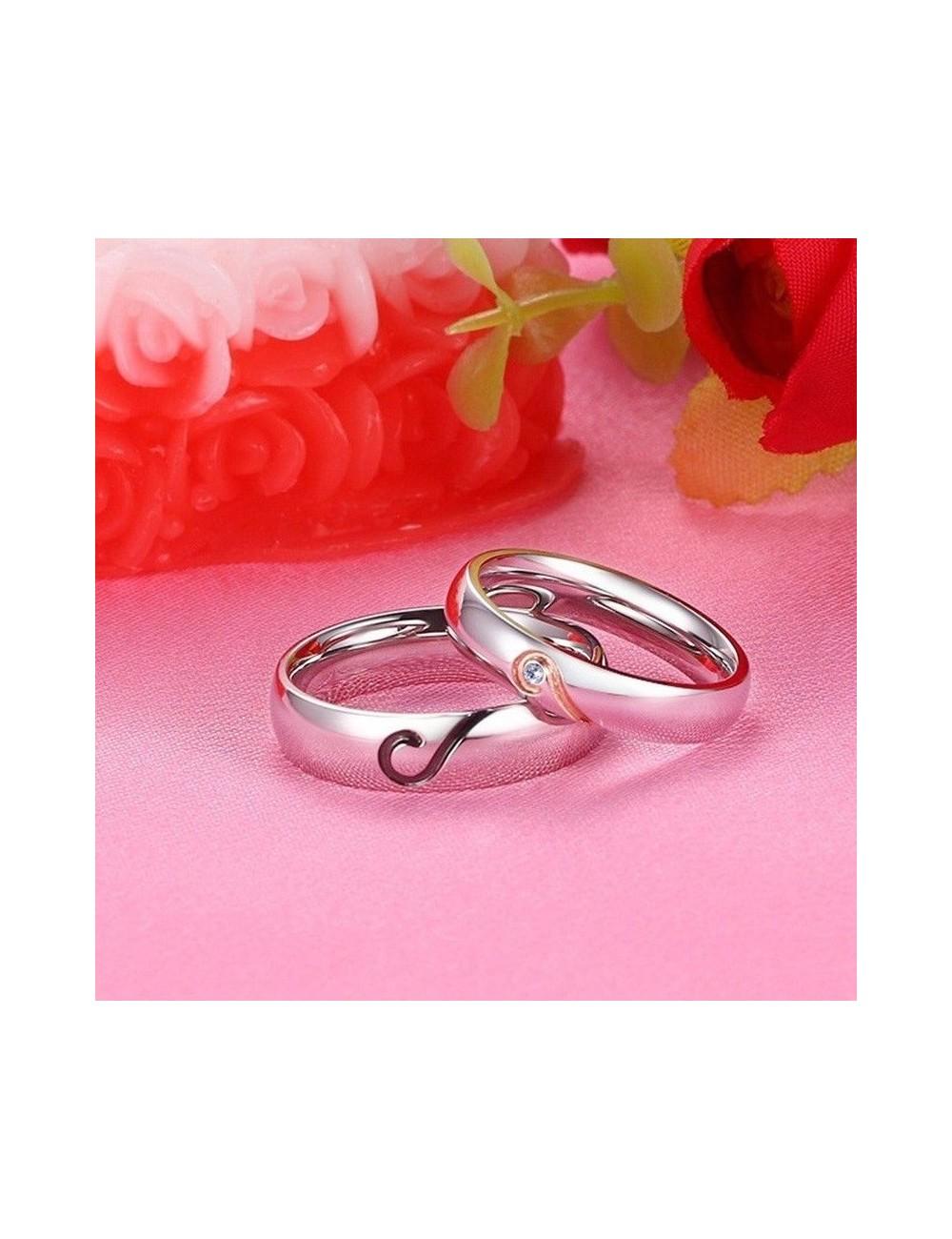 Anillos para parejas de acero inoxidable grabado de corazón