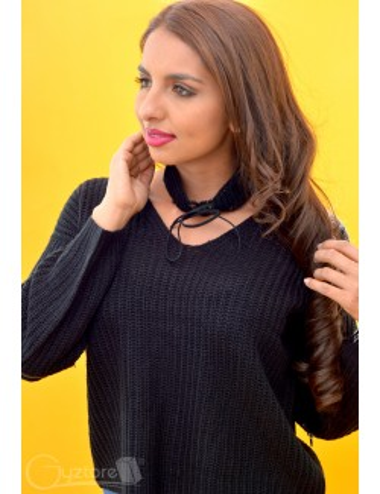 Abrigo tejido color negro con choker