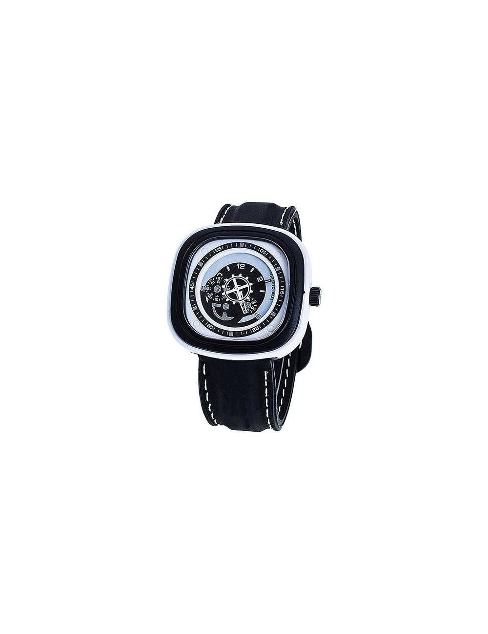 Reloj deportivo cuadrado