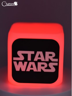 "Relojes digitales ""StarWars"" con LED multicolor"
